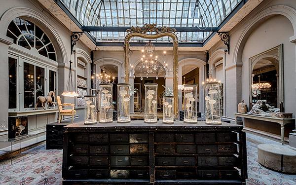 sublime maison d'hôte hôtel exceptionnel séjour en Avignon la Divine Comédie